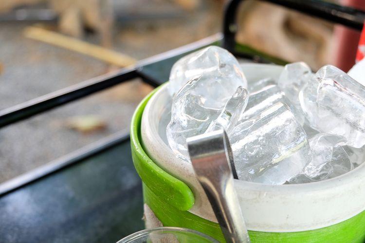 Najlepší výrobník ľadu do domácnosti, baru, kaviarne? Klarstein a Guzzanti