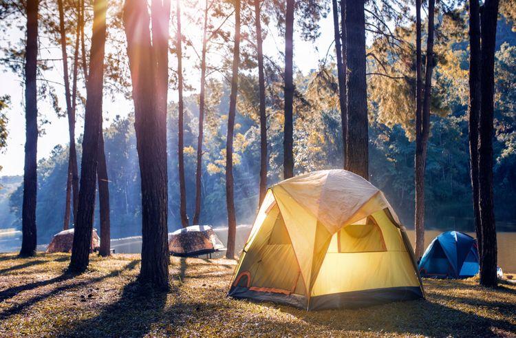 Ako vybrať dobrý stan? Expedičný, rodinný, turistický i 6-miestny nepremokavý stan
