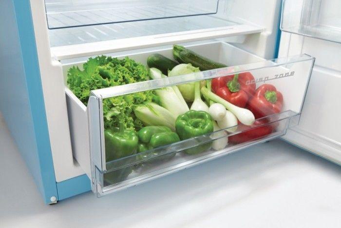 Retro chladnička Gorenje OBRB153BL zásuvka na zeleninu a ovocie