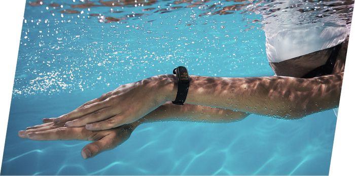 Xiaomi Mi Band 4 je vhodný na plávanie