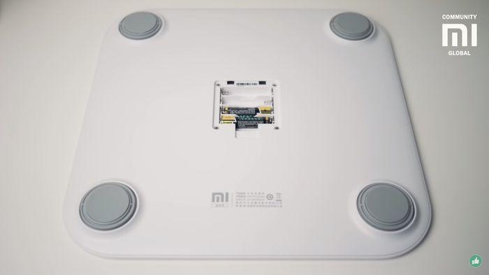 Diagnostická váha Xiaomi Mi Smart Scale 2 funguje na baterky