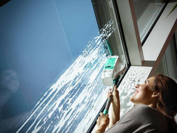 Čistenie okien s Leifheit 51003 Window Cleaner