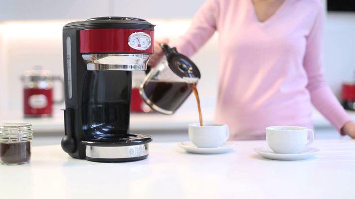 Prekvapkávací retro kávovar Russell Hobbs 21702