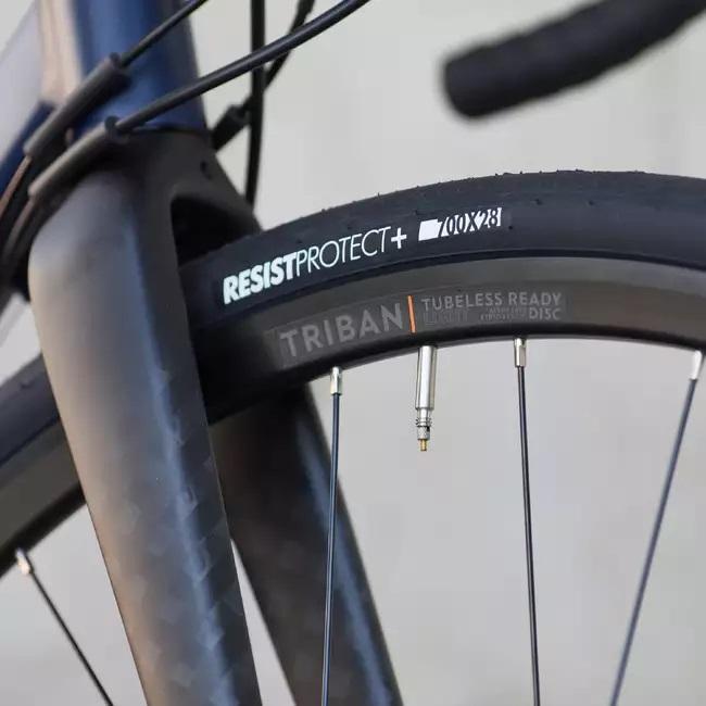 Odolnosť cestného bicykla Triban RC520