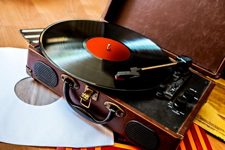Gramofón s platňou