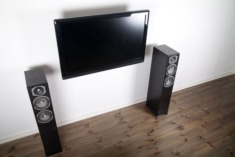 Stĺpové reproduktory k TV