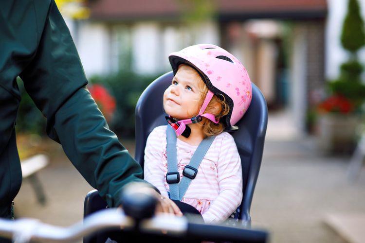 Na cyklosedačke by nemali chýbať ramenné popruhy