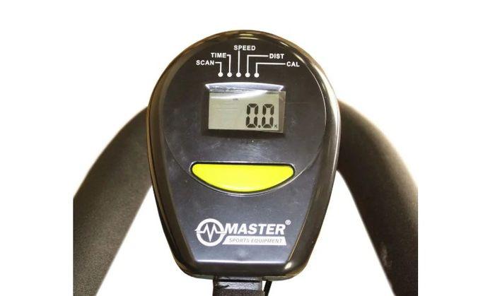 Cyklotrenažér Master X-14 je vybavený počítačom