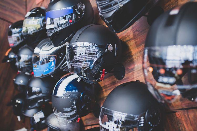Vždy si vyberte vlastnú helmu, nepožičiavajte si ju.