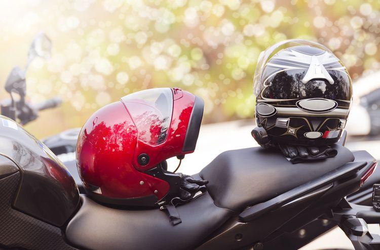 Ako si vybrať prilbu na motorku?