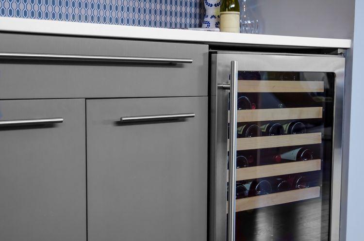 Vstavaná vinotéka/chladnička na víno