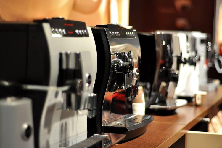 Nie všetky automatické kávovary majú nádobku na mlieko