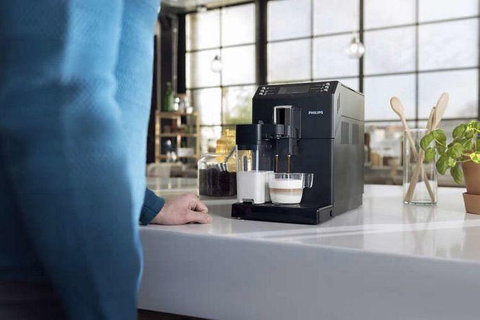 Príprava kávy v kávovare Philips Saeco EP 3550/00