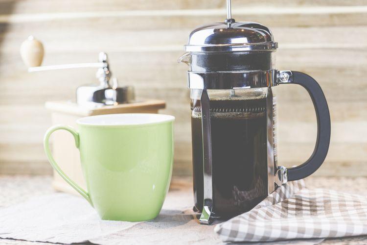 Sklenený french press kávovar s dvojitou stenou