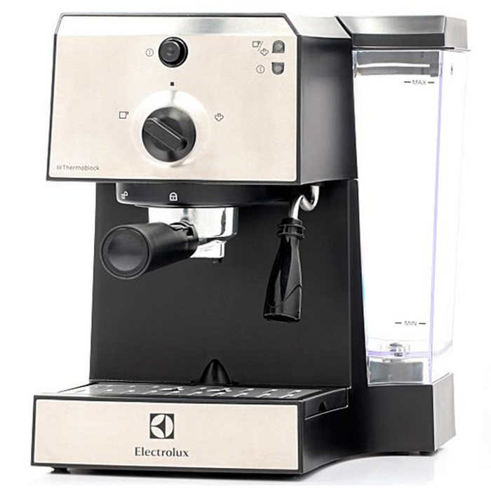 Pákový kávovár Electrolux EEA 111