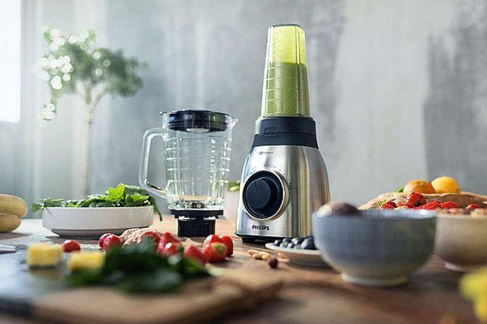 Philips HR 3556/00 zvládne rozdrviť aj tvrdšie ovocie a semienka