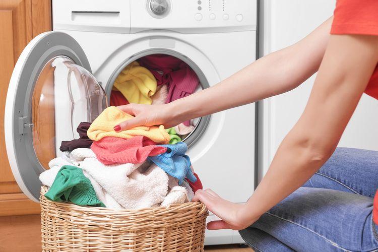 Pranie v spredu plnenej práčke