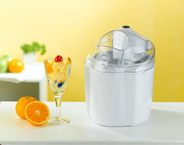 Biely zmrzlinovač vyrobený z plastu