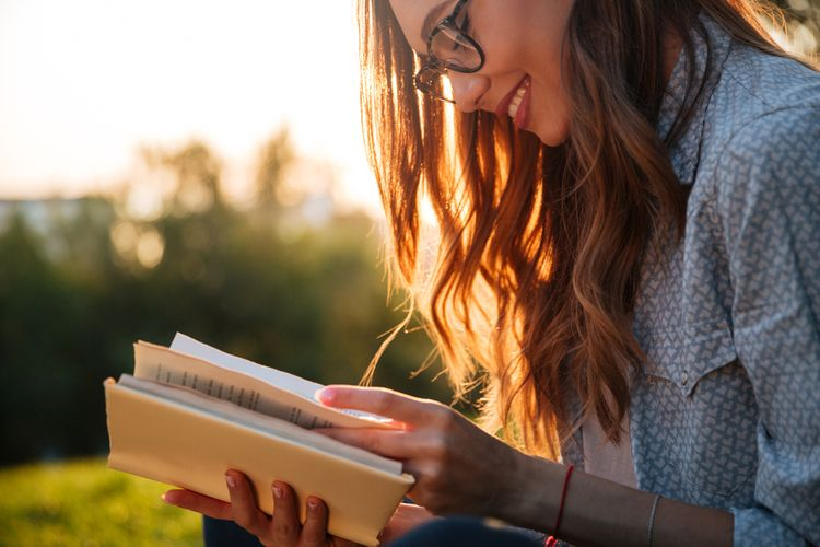 Pre ženy milujúce čítanie je vhodným darčekom kniha
