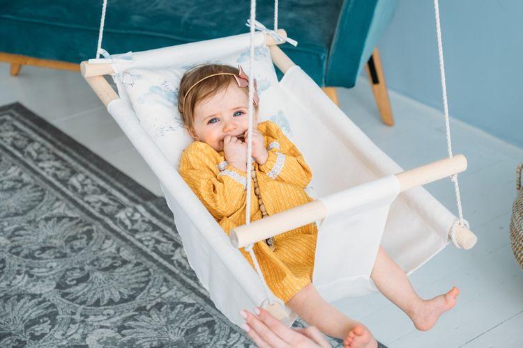 Látková hojdačka pre bábätká vhodná do bytu