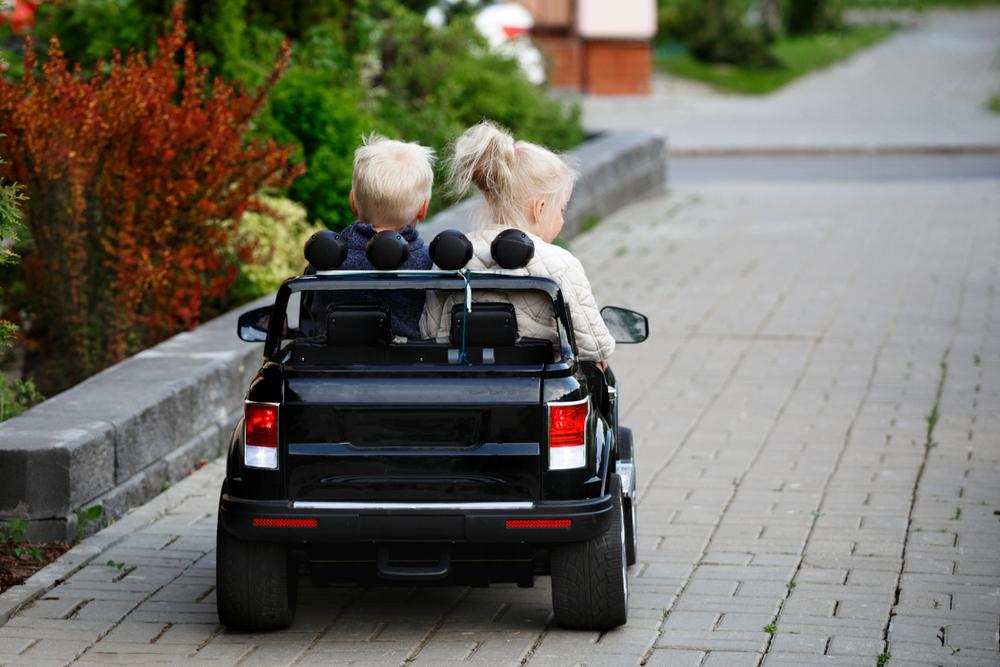 Elektrické autíčko pre 2 deti
