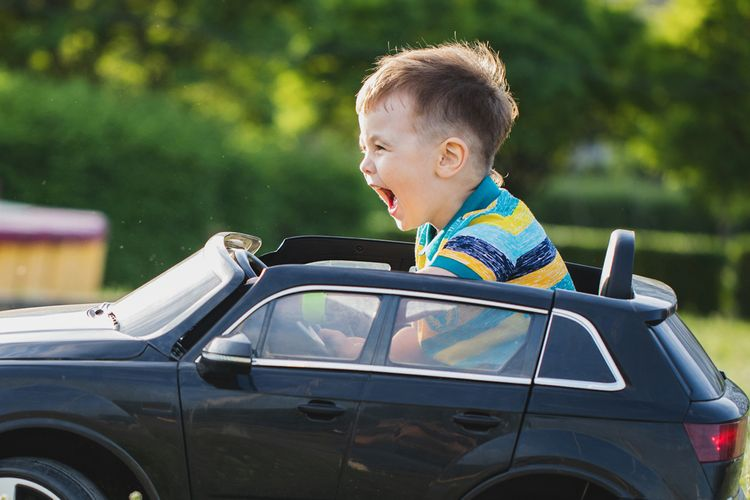 Jazda v elektrickom autíčku pre deti