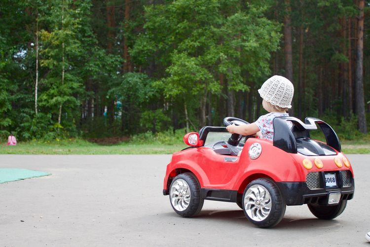 Elektrické osobné autíčko 2 x 2
