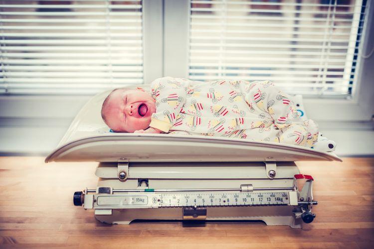 Mechanická dojčenská váha
