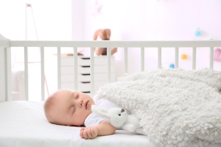 Doskový monitor dychu v detskej postieľke