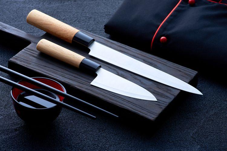 Japonské kuchynské nože s drevenou rukoväťou