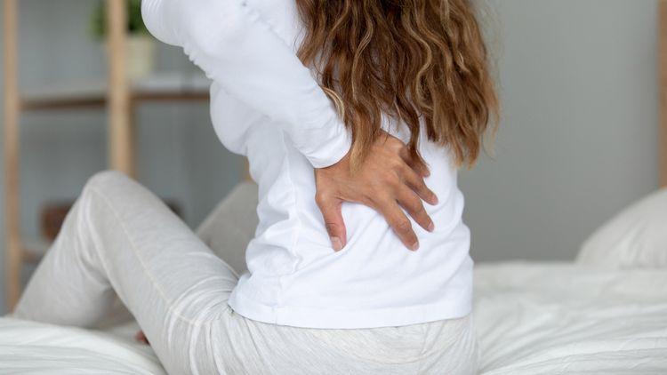 Bolesť chrbta kvôli zlému matracu