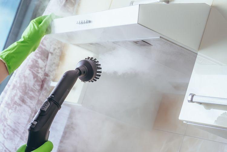 Čistenie digestora pomocou parného čističa
