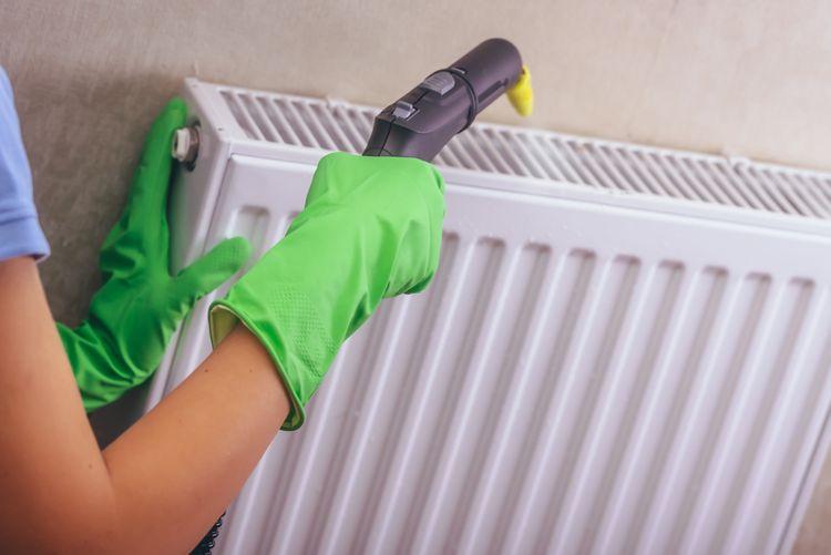 Čistenie radiátora pomocou parného čističa