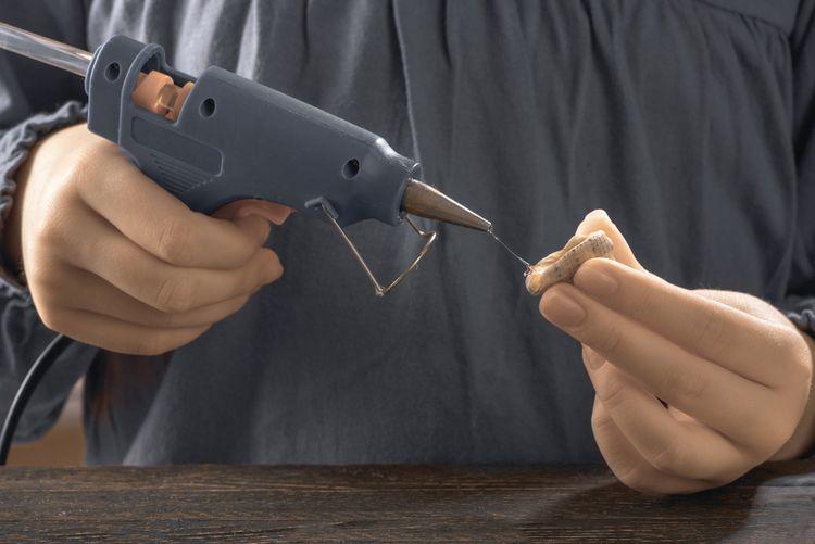 Lepiaca/tavná pištoľ pre deti