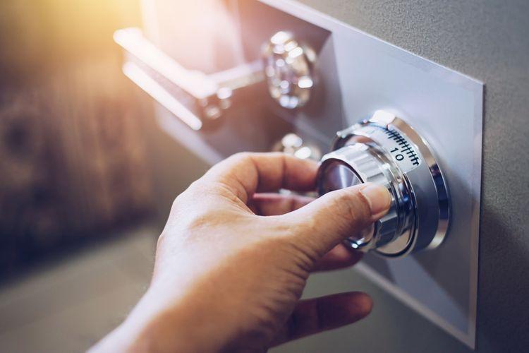 Otváranie trezoru s mechanickym zámkom