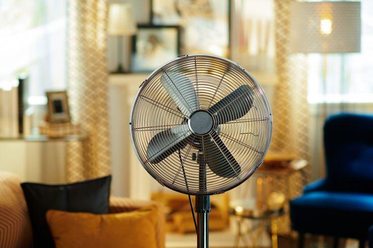 Elektrický stojanový ventilátor s reguláciou rýchlosti