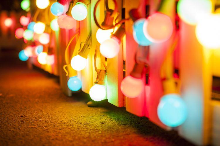 Farba svetla žiarovky