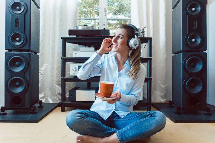 Konektivita mini Hi-Fi systémov je lepšia ako mikro HiFi systémov