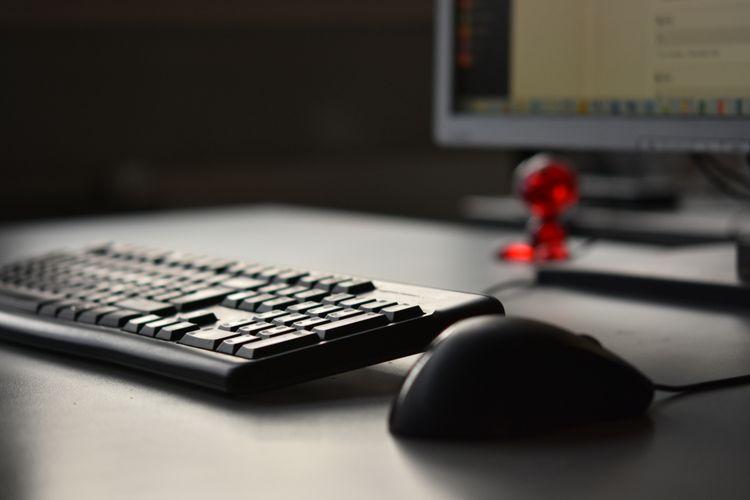 Drôtová myš k počítaču