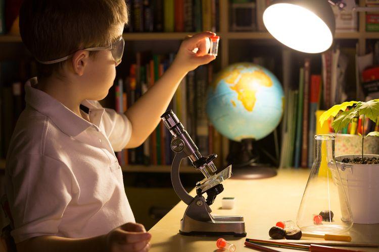 Biologický mikroskop s 1 objektívom