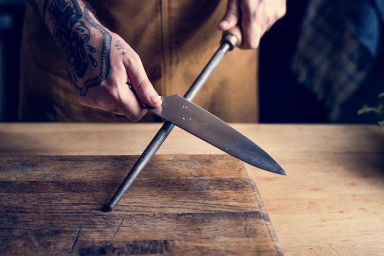 Ostrenie noža pomocou ocieľky