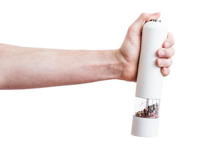 Biely elektrický mlynček na soľ a korenie