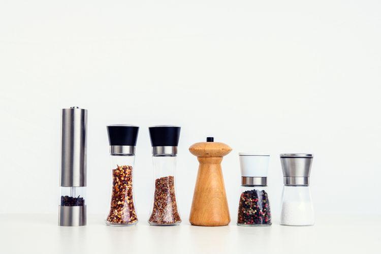 Elektrický mlynček na soľ a korenie – výhody, nevýhody