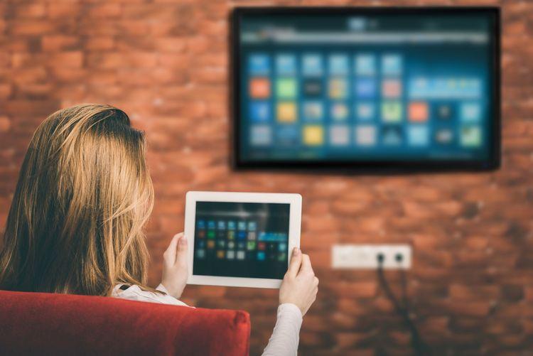 Spojenie Smart televízora s iným zariadením je skutočne jednoduché.