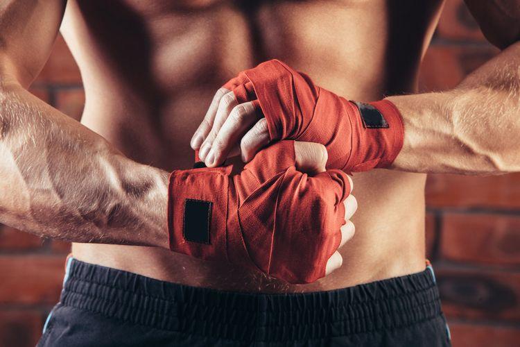 Červené boxerské bandáže