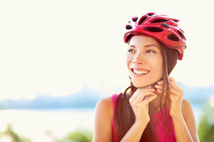 Dámska cyklistická prilba červenej farby