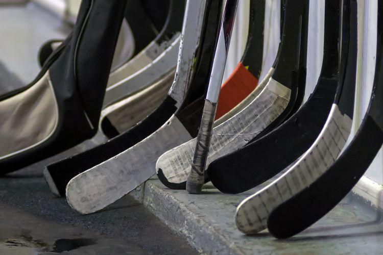Kompozitové vs drevené hokejky