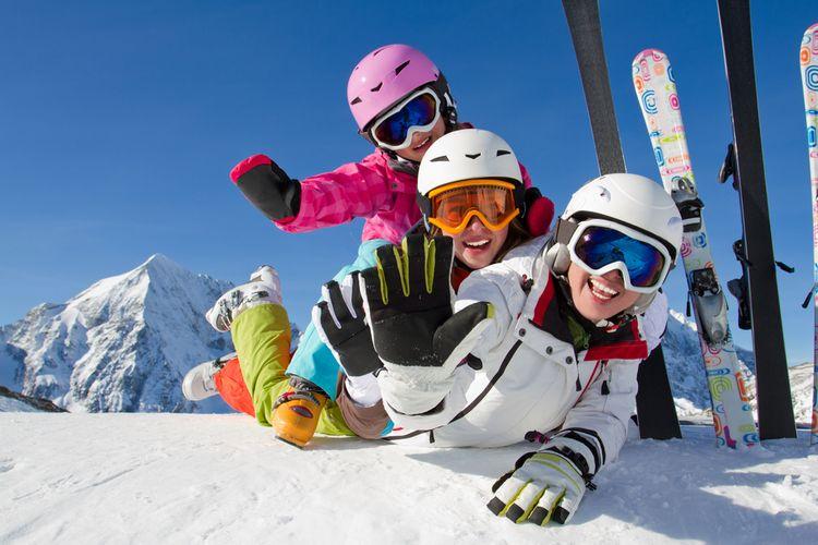 Ako vybrať lyžiarsku prilbu?
