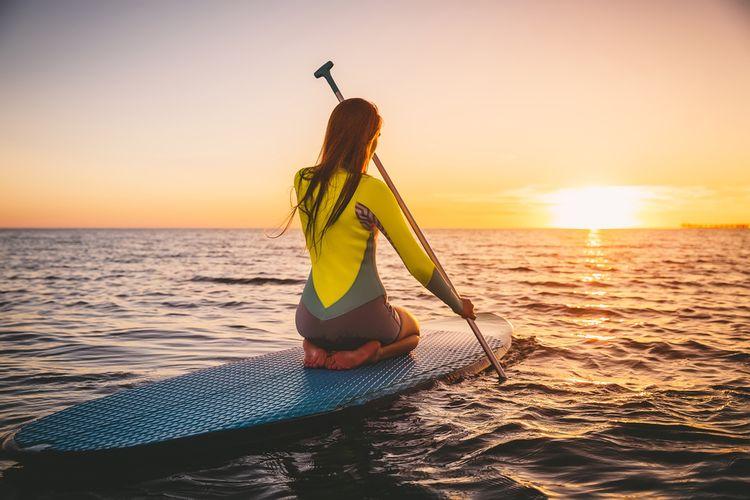 Paddleboarding na stojatej vode