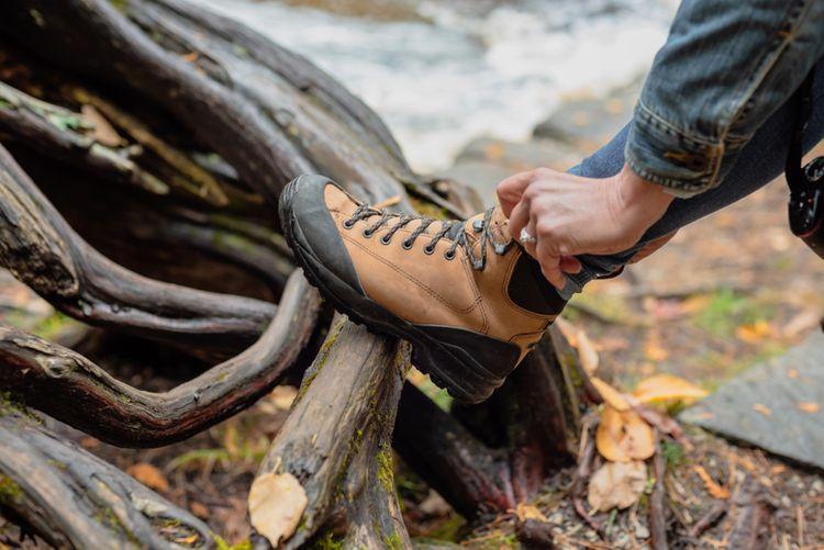 Dámska členková turistická obuv